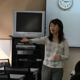 介護の基本Ⅰ・福辺節子先生 (介護福祉科1年生)