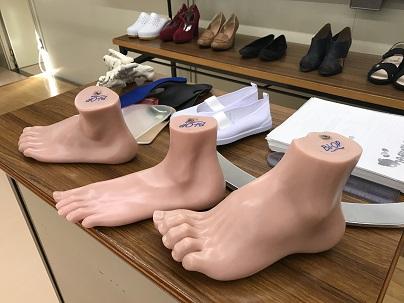 足と靴のはなし(介護福祉科1年生)