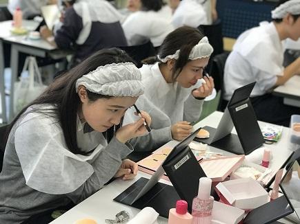 化粧療法・資生堂(介護福祉科2年生)