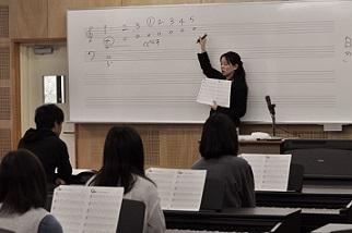 ピアノ初心者レッスン (7)